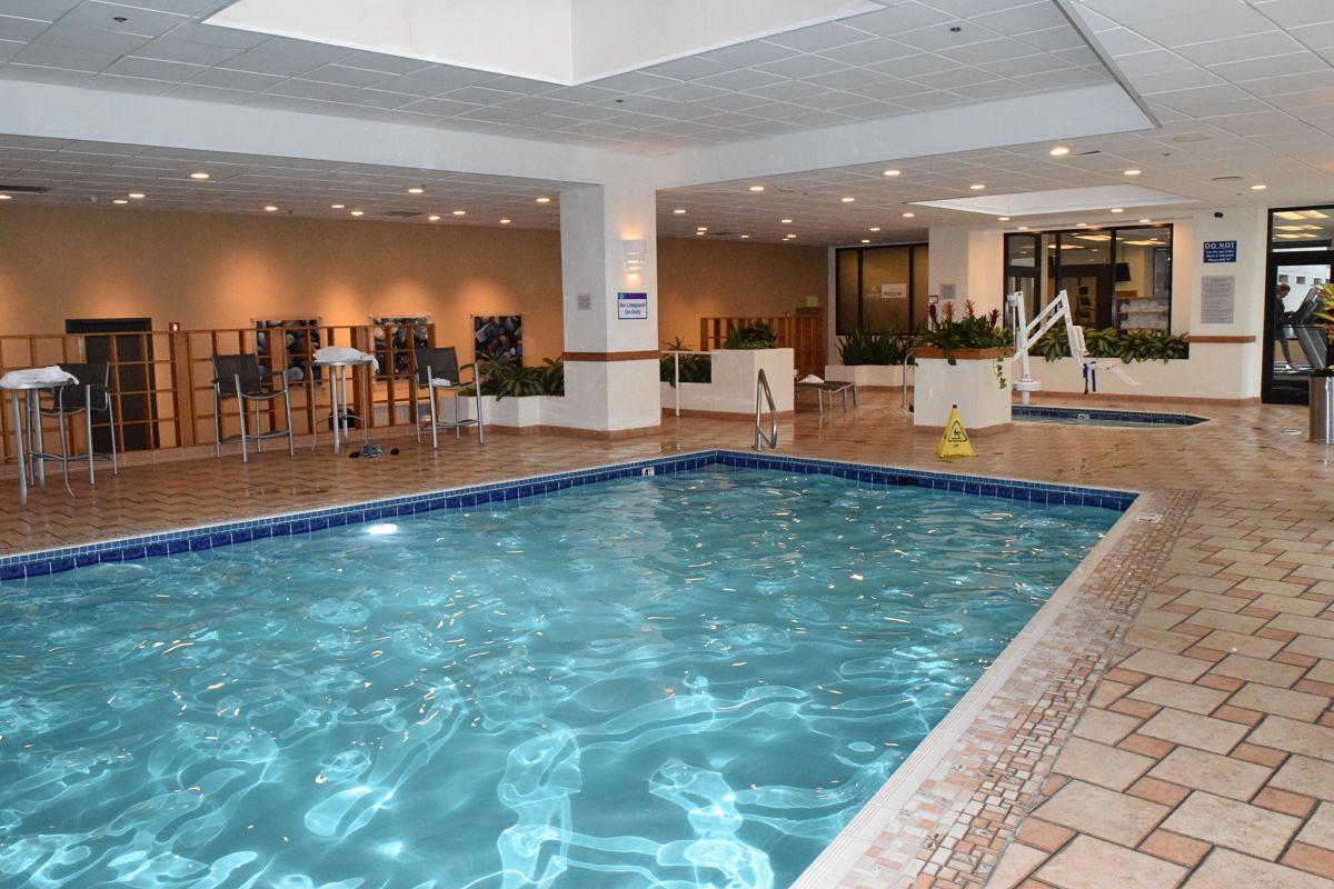 Pool of Hilton Salt Lake City Center